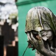 http://www1.folha.uol.com.br/cotidiano/2017/06/1896018-enterro-tem-via-crucis-com-assedio-desinformacao-e-constrangimento.shtml